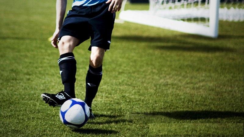 CHIA SẺ: Những kỹ năng cơ bản cần có khi mới chơi bóng đá 2