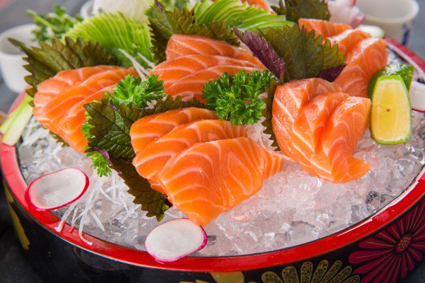 Cách ăn cá hồi sống ngon miễn chê