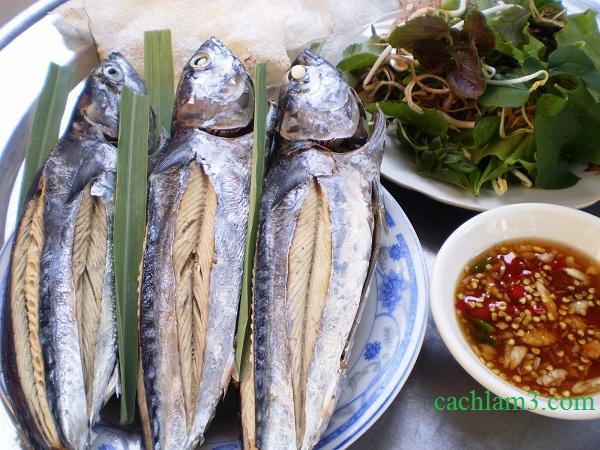Cách làm món cá ngừ hấp cuốn bán tráng ngon và đơn giản tại nhà