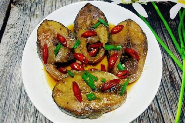 cá ngừ kho