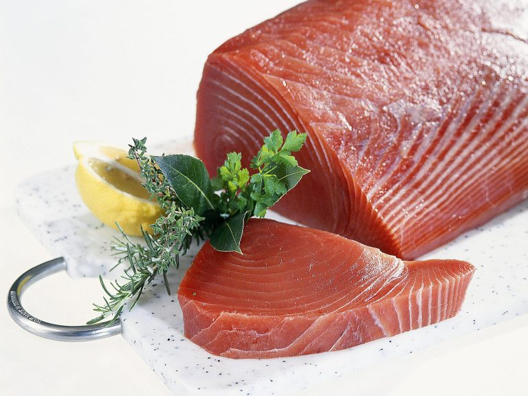 Ăn cá ngừ đại dương sống có tốt không?